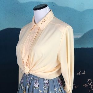 Vintage 80s 90s butter yellow chic grandma style
